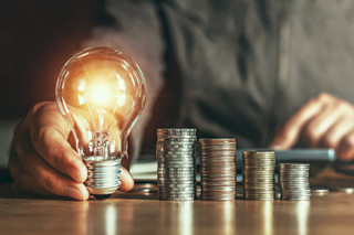 Kurtyka: Przygotowujemy rozwiązania chroniące odbiorców wrażliwych przed wzrostem cen prądu