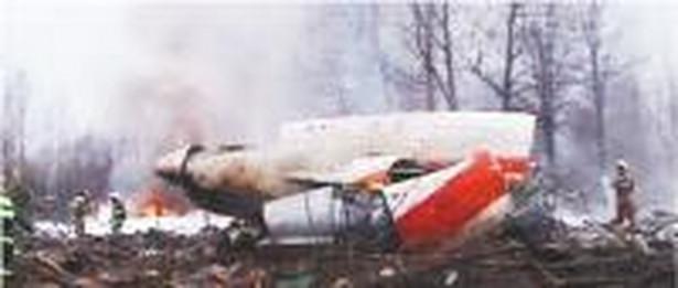 Sobota, 10 kwietnia 2010, Smoleńsk, godz. 8.56. Samolot Tu-154 z prezydentem Lechem Kaczyńskim na pokładzie rozbija się 400 metrów od pasa startowego.