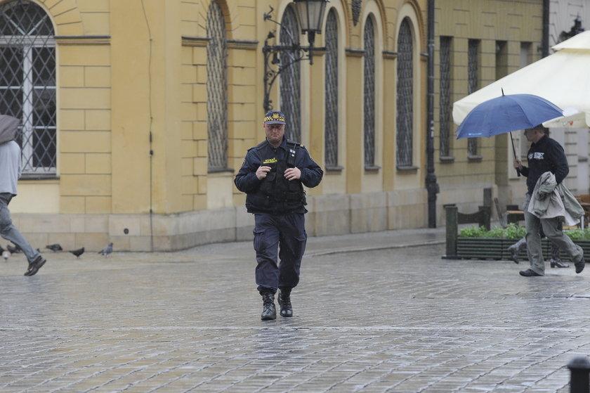 Strażnik miejski w Rynku