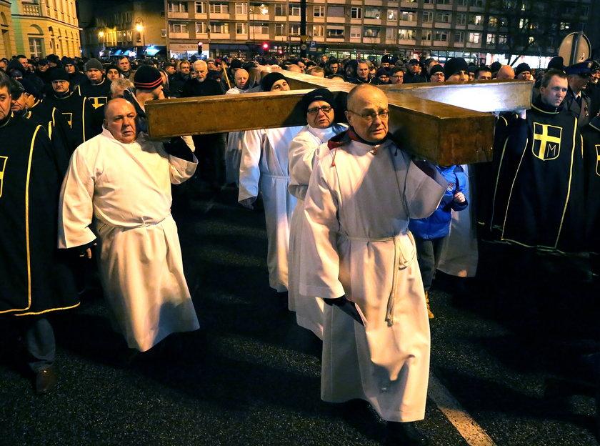Przyjdź na Warszawską Drogę Krzyżową