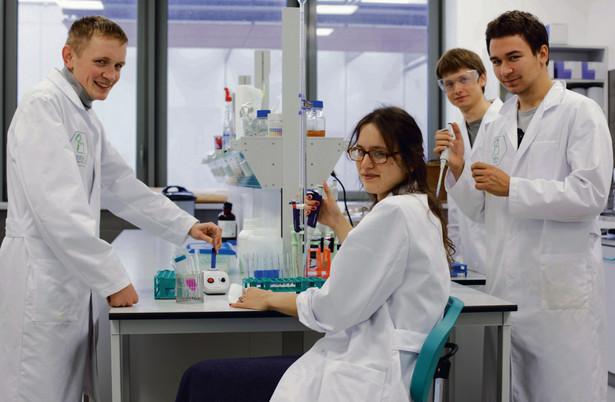 Załoga BBH Biotech (od lewej): Jakub Buda, Katarzyna Kicińska, Mateusz Hoppe, Leszek Broniarek