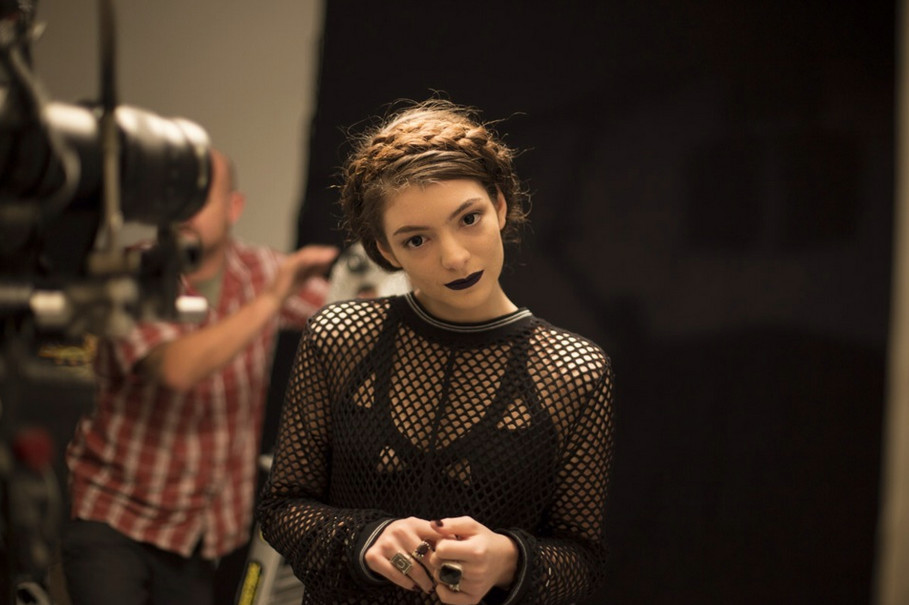 Lorde (fot. facebook.com/lordemusic)