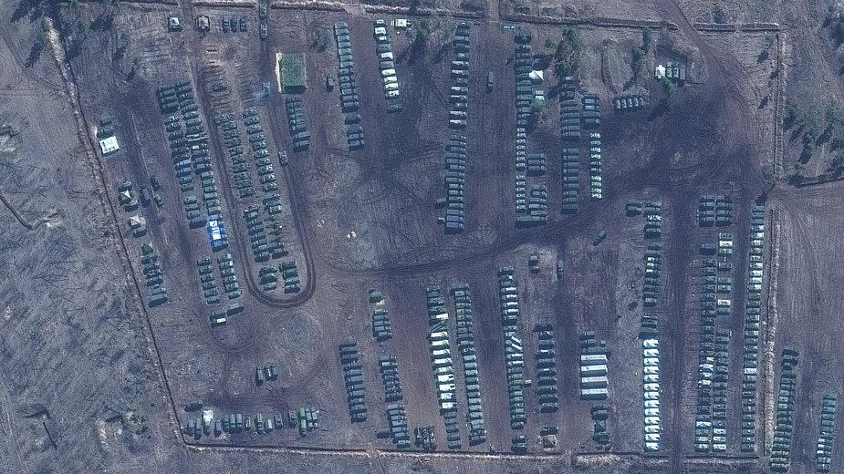 Koncentracja ciężkiego sprzętu wojskowego Rosji przy granicy z Ukrainą