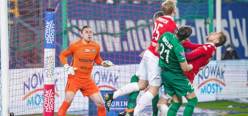 Kolejny słaby mecz Wisły. Warta wygrywa w Krakowie