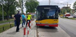 Wypadek autobusu w Warszawie. Prokuratura: kierowca był po użyciu, a nie pod wpływem narkotyków. Odpowie za wykroczenie
