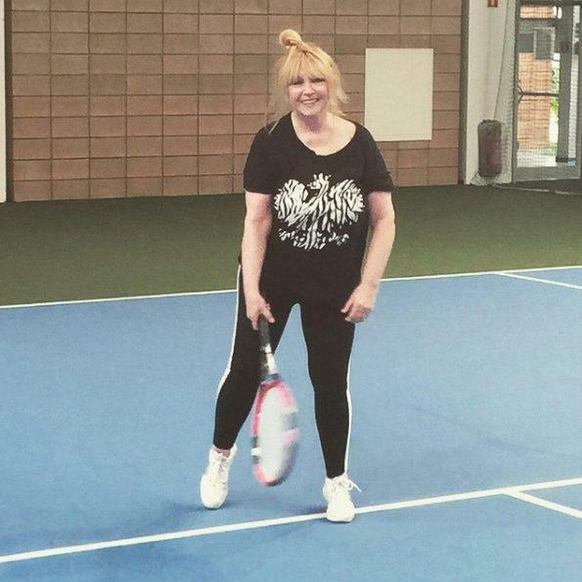 Maryla Rodowicz gra w tenisa