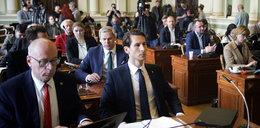 Zapadła decyzja w sprawie ks. Jankowskiego. Stracił honorowe obywatelstwo, pomnik do rozbiórki