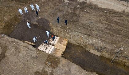 Masowy grobowiec w Nowym Jorku. Miasto kluczy w tłumaczeniach
