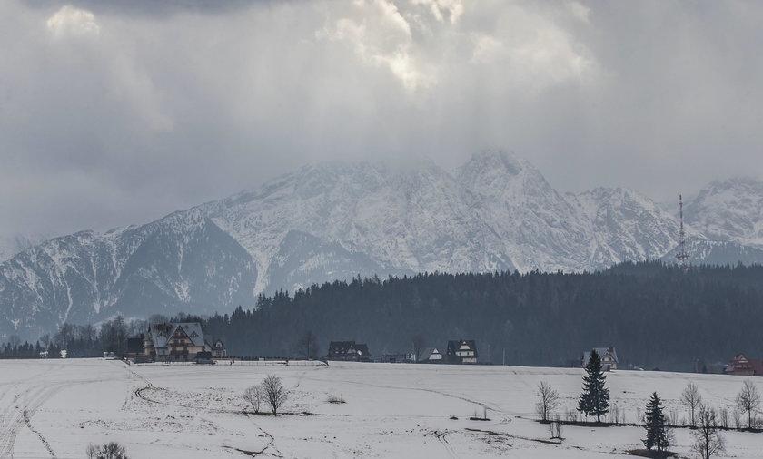 W Tatrach spadło prawie 30 cm śniegu. Ratownicy ostrzegają