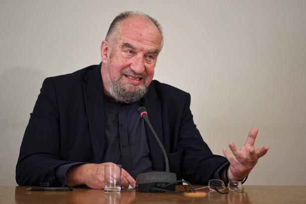 Nie sądzę, aby ktokolwiek miał wpływ na politykę międzynarodową prowadzoną przez pana prezydenta, a w najmniejszym stopniu moja skromna osoba - mówi prof. Witold Modzelewski