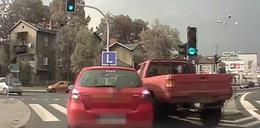Kierowca rzucił się z pięściami na instruktora jazdy