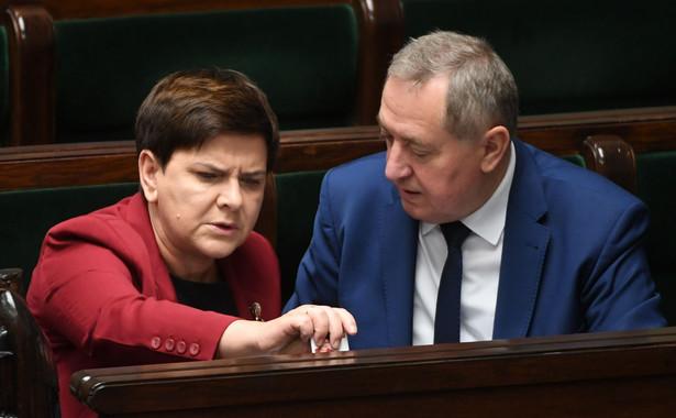 Kowalczyk był pytany przez dziennikarzy w Sejmie, dlaczego premier przejmuje władzę nad spółkami Skarbu Państwa.