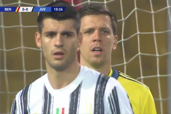 SVET PRIČA O ONOME ŠTO SE UPRAVO DESILO NA MEČU SERIJE A Fudbaleri Juventusa i Beneventa su naprasno STALI i prekinuli utakmicu, jasan je i razlog /VIDEO/