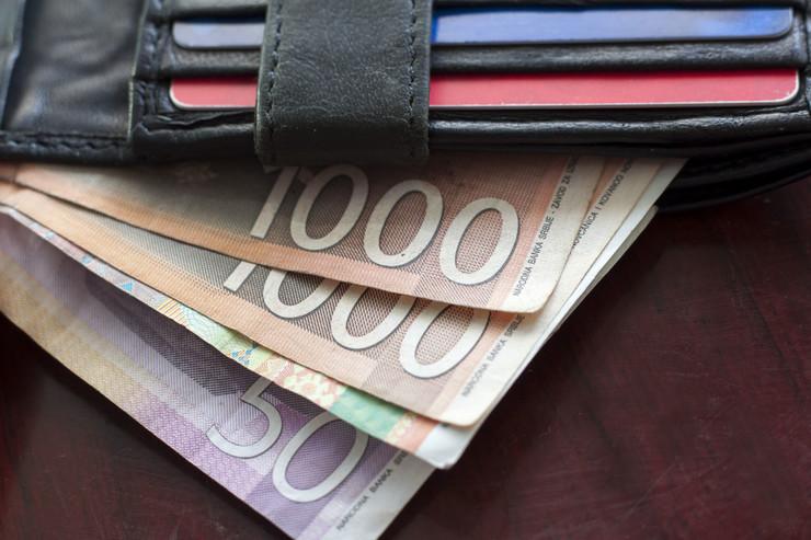 penzioneri dinari shutterstock 458206426 plata novčanik