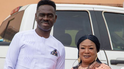 'Maame Tiwaa is not my wife' - Yaw Sarpong denies affair with backing vocalist (WATCH)