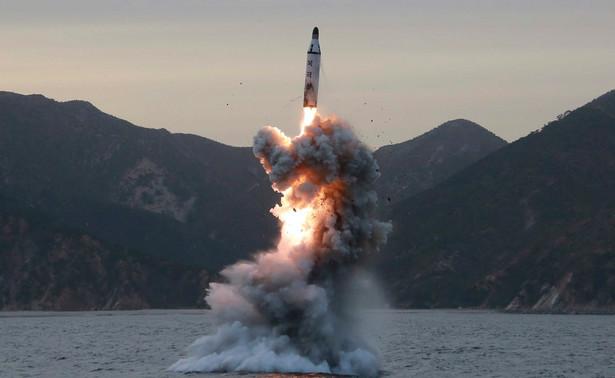 """Korea Północna powinna """"dla własnego bezpieczeństwa"""" wstrzymać jakiekolwiek plany nowych prób nuklearnych i rakietowych - ostrzegł w środę chiński tabloid """"Global Times"""""""