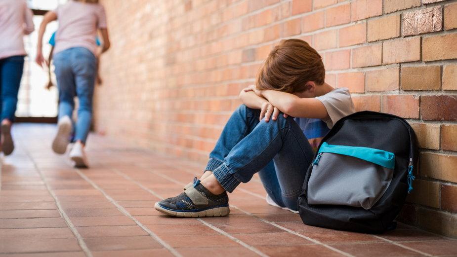 Uczeń jednej z warszawskich szkół mógł być prześladowany na tle rasistowskim
