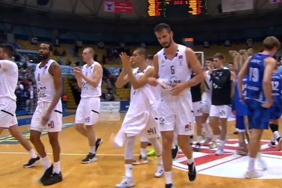 SCENA ZA PAMĆENJE Obradovićev Partizan usred Zagreba ispraćen VELIKIM APLAUZIMA, posle nestvarne partije u košarkaškom klasiku