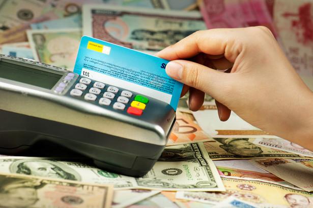 W ub.r. przychody polskich banków z tytułu opłat i prowizji wyniosły ogółem 14,3 mld zł. Na interchange instytucje zarobiły ok. 10 proc. tej kwoty.