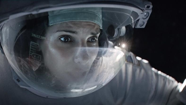 """Oglądając """"Grawitację"""", poczujemy się, jakbyśmy naprawdę znaleźli się w kosmosie, choć to jedno z tych doświadczeń, których w rzeczywistości wolelibyśmy uniknąć"""