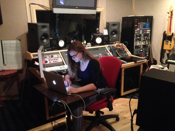 Matea trenutno radi kao muzički urednik na nagrađivanoj video igrici