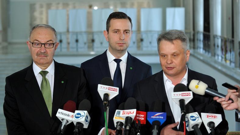Mieczysław Kasprzak, Władysław Kosiniak-Kamysz i Mirosław Maliszewski na konferencji PSL w Sejmie