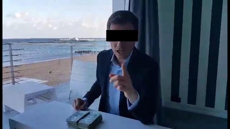 Marcin T. w 2015 r, gdy w Zatoce Sztuki oferował pieniądze za szukanie haków na dziennikarzy