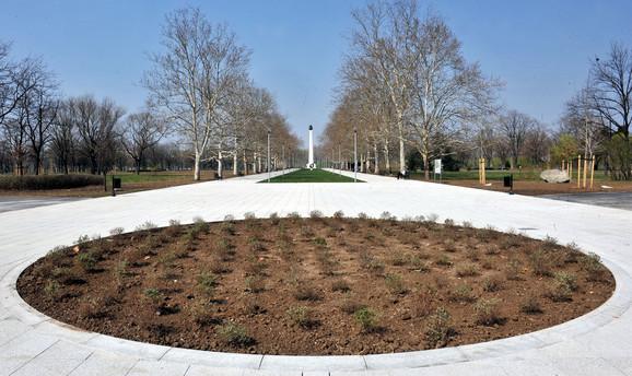 Sređen park na Ušću