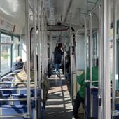 Žena puna modrica ušla u tramvaj na liniji 9 i tvrdila da ju je MUŽ PRETUKAO, ali je onda priča dobila ŠOKANTAN OBRT