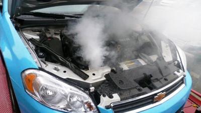Top 5 mauvaises habitudes de conduite qui abîment votre voiture