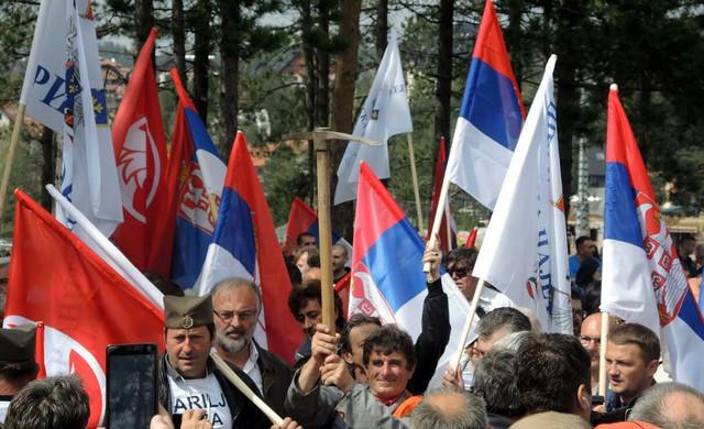 Čajetinci od ponedeljka protestuju u Beogradu