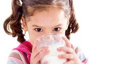 Nowe badania: mleko bardzo szkodzi, nie dawaj go dzieciom
