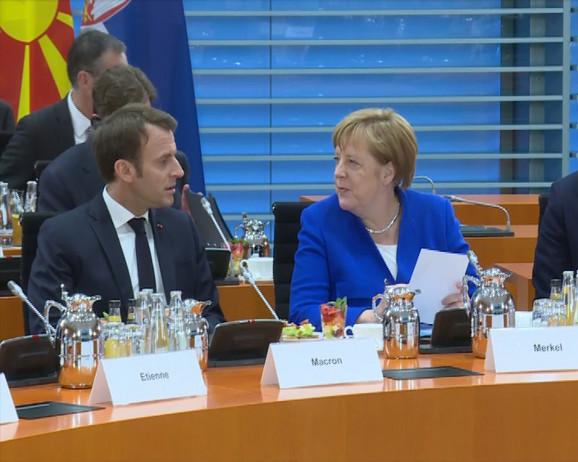 Makron i Merkelova