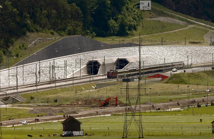 tunel svajcarska