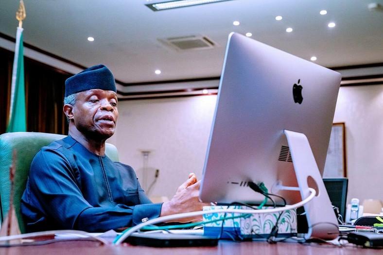 Vice President Yemi Osinbajo at work [Twitter/@NigeriaGov]