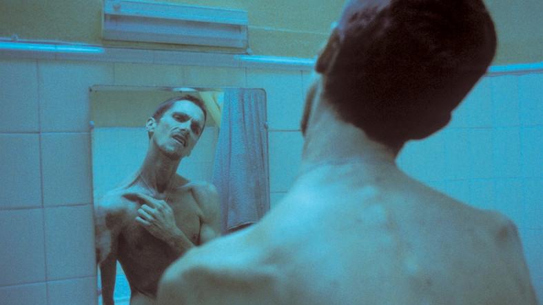 """Christian Bale przed występem w """"Mechaniku"""" doprowadził swój organizm na skraj wyczerpania fizycznego – schudł aż 28 kg i na planie ważył zaledwie 55 kg"""