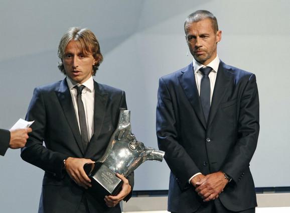 Luka Modrić i predsednik UEFA Aleksandr Čeferin