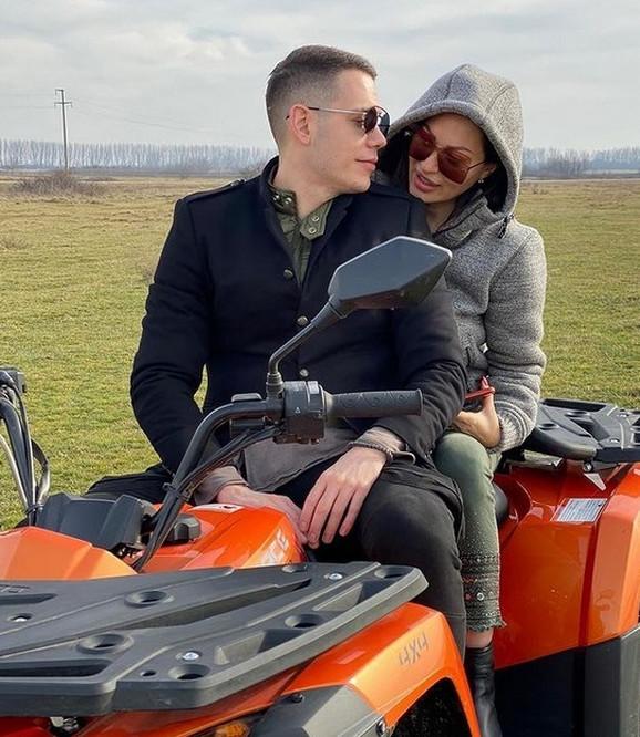Ceca PRVI PUT PODELILA FOTKU SA DEČKOM Sa Bogdanom nakon Kopaonika otišla  na novu destinaciju, uživaju u romantičnom ambijentu (VIDEO)