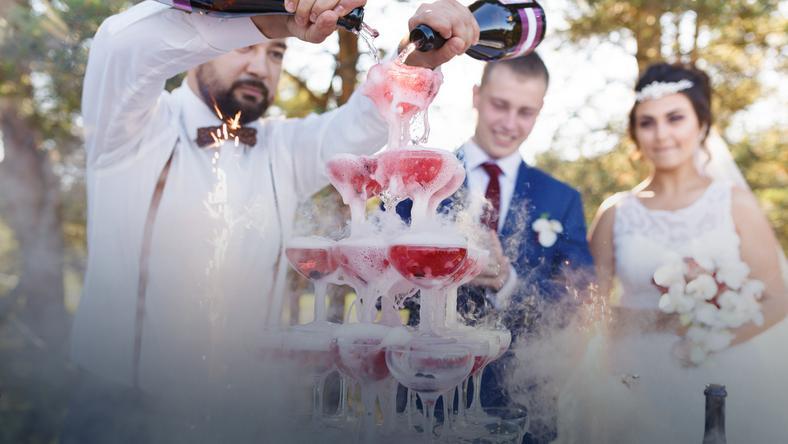 Barman na wesele - czy warto wynająć drink bar?
