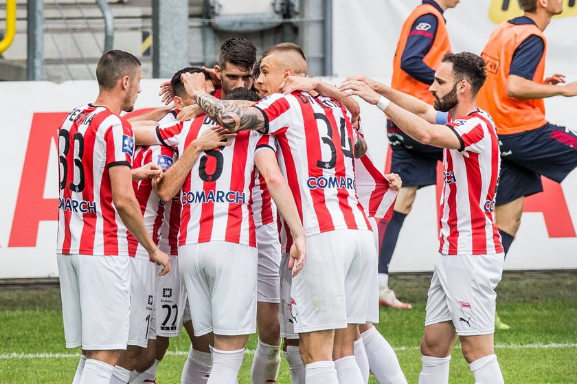 Ekstraklasa piłkarska 33. kolejka: Cracovia –Pogoń 2:1