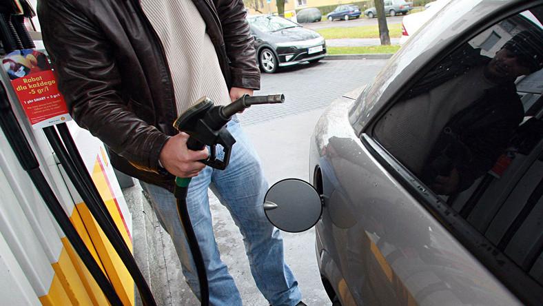 4,5 złotego za litr benzyny już w wakacje