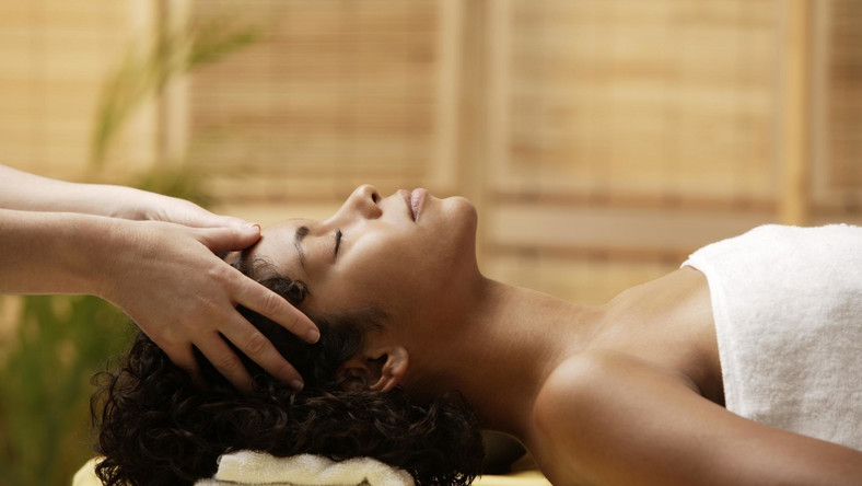 scalp massages has more benefits than you ever knew [Essence]