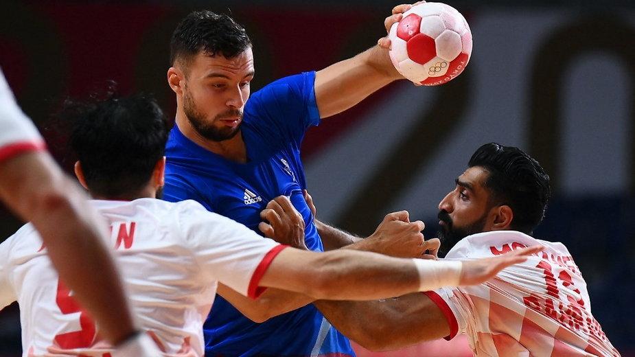 Nedim Remili (C) podczas meczu Francja - Bahrain