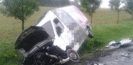 Tragiczny wypadek. Kierowca wyleciał przez rozbitą szybę