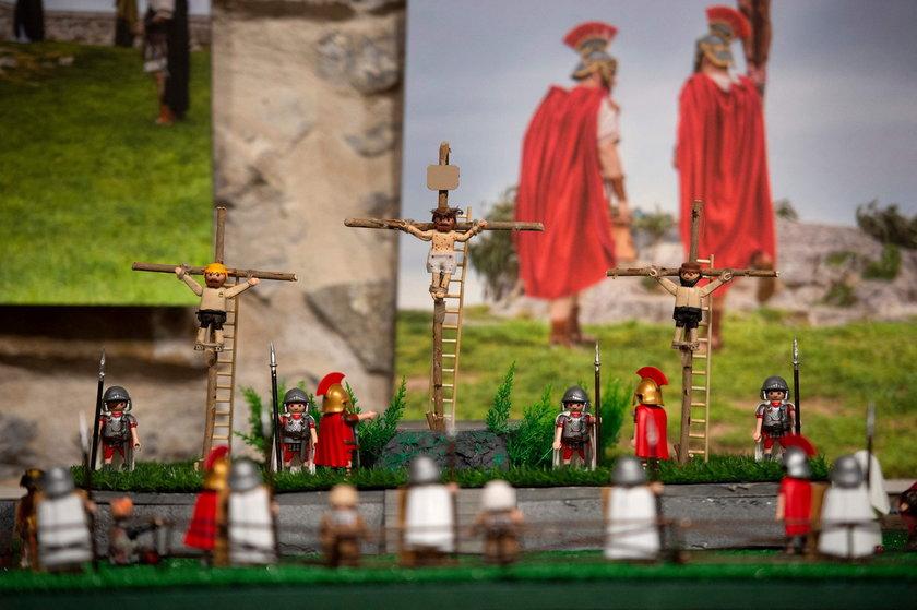 Droga Krzyżowa z figurek