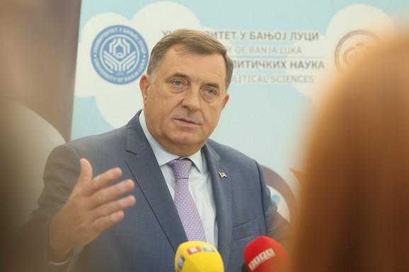 Dodik: Veoma se kasni sa rešavanjem PROBLEMA MIGRANATA u BiH
