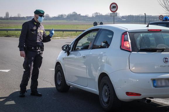 Ograničena putovanja na severu Italije - policijska provera kod gradića Kasalpusterlengo
