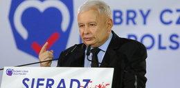 Osobliwy żart Kaczyńskiego. Rzucił to do ludzi