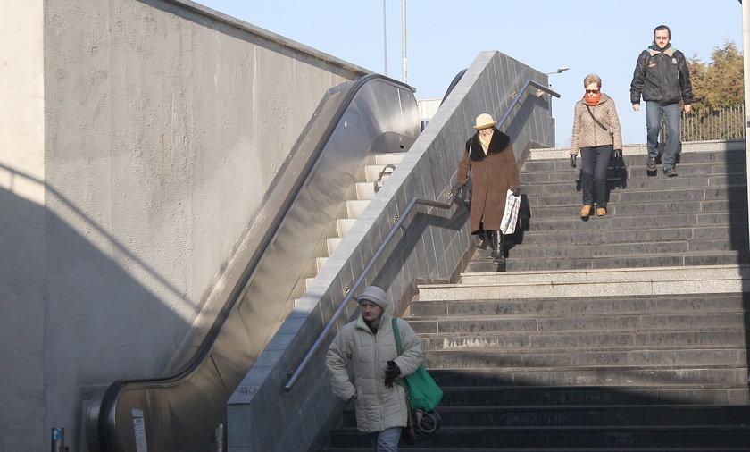 Schody na rondzie Mogilskim w Krakowie