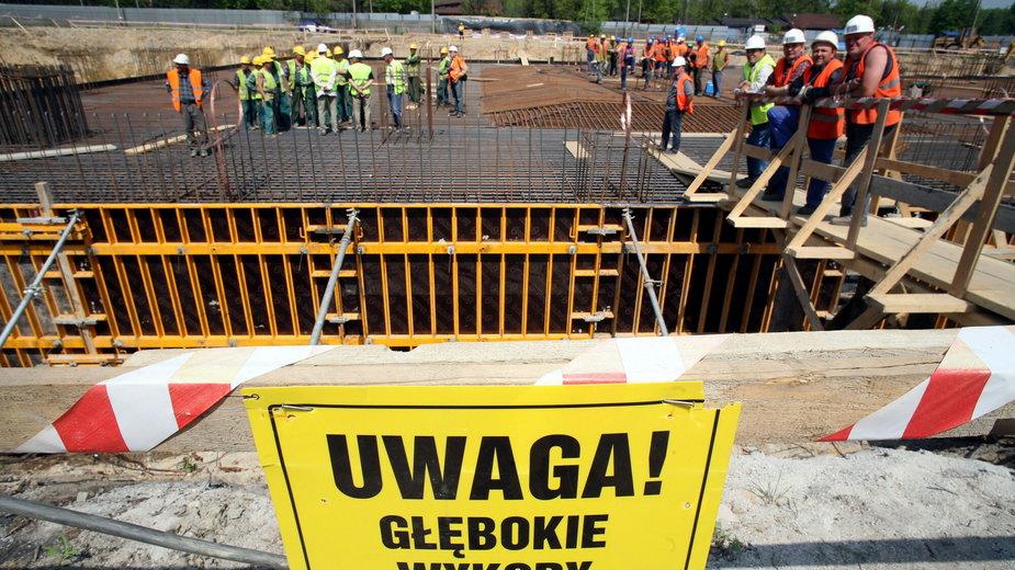 Praca przy budowie bloku energetycznego